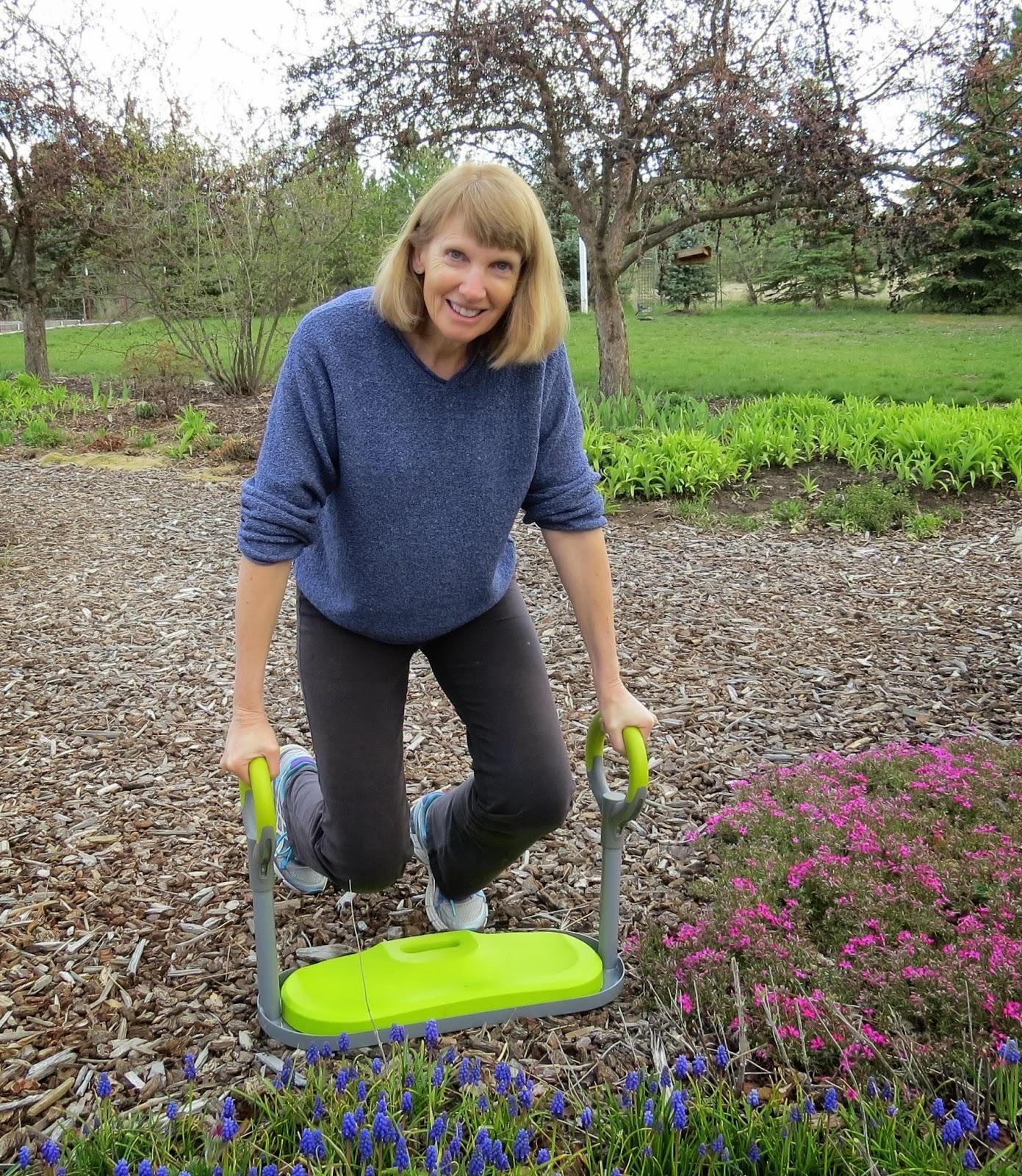 Review Gardenease Garden Kneeler Susan S In The Garden
