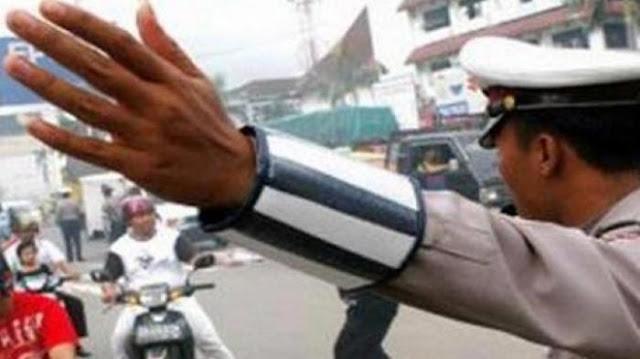 Kesal Ditilang, Seorang Pengemudi Mobil di Jakarta Selatan Ludahi Polisi