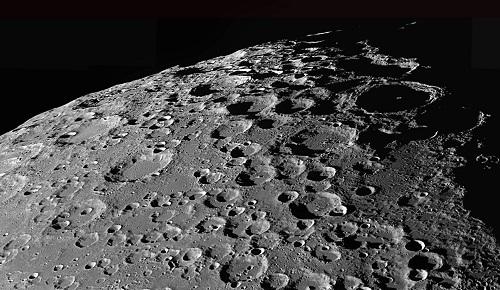 Ay'da Yaşanan Garip Olaylar Serisi