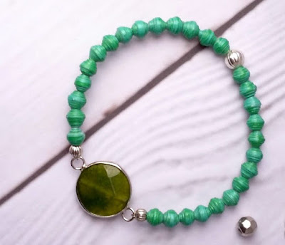 green papaerbeads bracelet