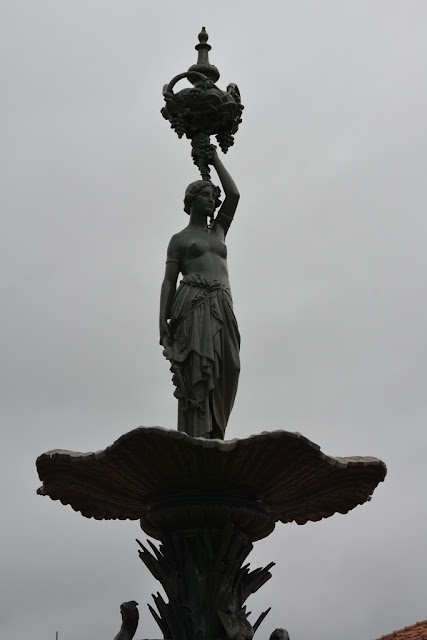 Largo de Matriz fountain