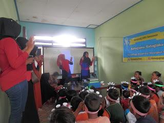kelas menggapai mimpi - bernyanyi bersama