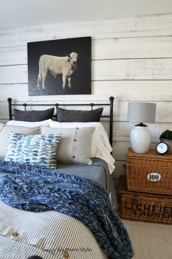 farmhouse style bed and bedding