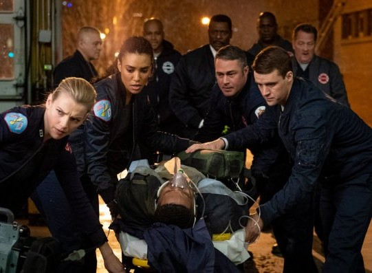 "NUP 186464 0029 595 Spoiler%2BTV%2BTransparent - Chicago Fire (S07E19) ""Until The Weather Breaks"" Episode Preview"