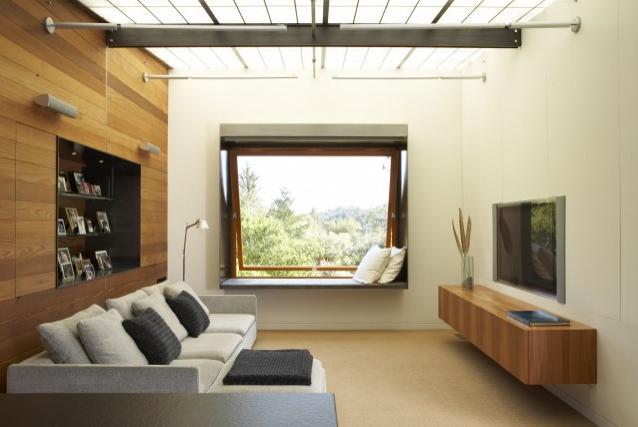 sofas modernos para sala de tv sofa mart green bay blog decorar decorada com unico e chaise se voce ama assistir televisao deitado ou nao tem um misero em casa poe logo camas na esquisito inusitado bem legal