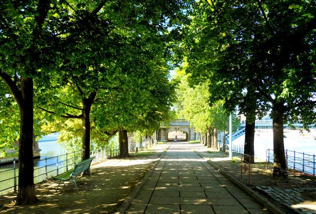 mooiste parken van Parijs, vrijheidsbeeld parijs, statue de la liberté paris, ile des cygnes parijs,