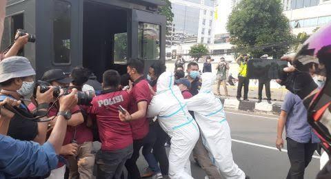Massa Aksi Bela Palestina Diringkus, LBH: Semenjak Ada Corona dan UU ITE, Masyarakat Gak Boleh Bersuara