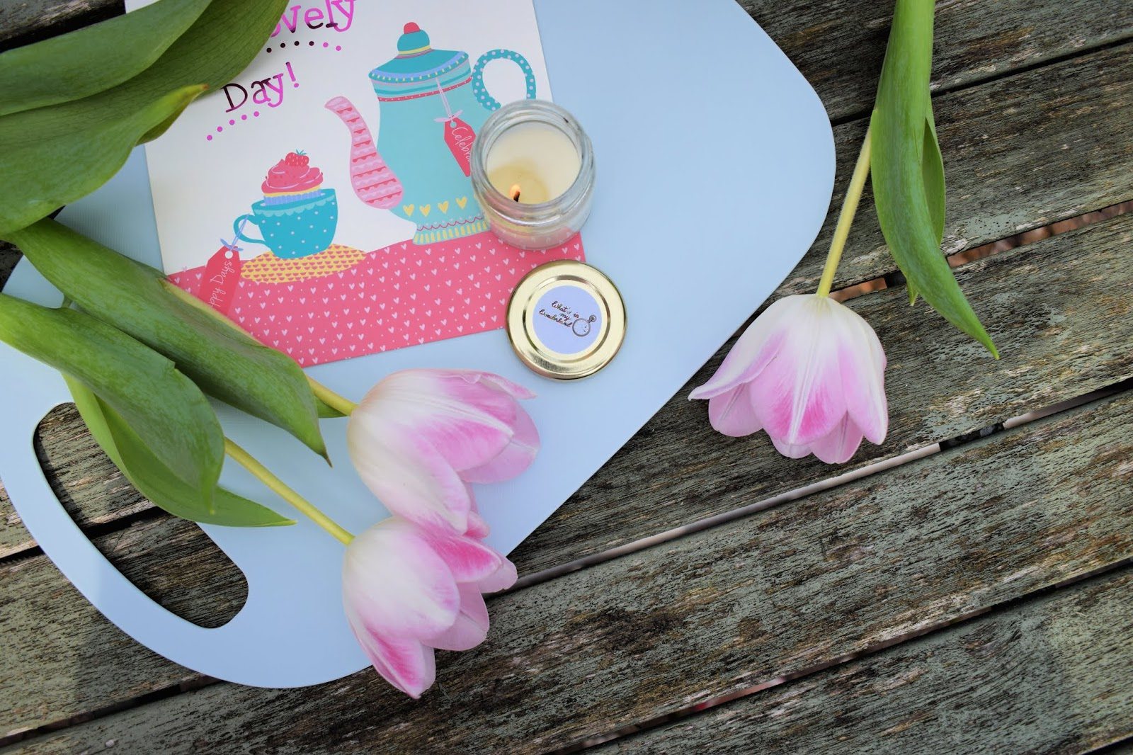 What's in my wonderland mini scented candle review