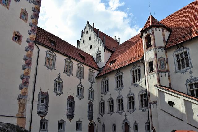 Gli affreschi della fortezza in stile tardo gotico