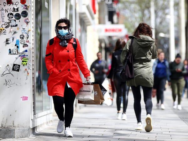 جائحة كورونا.. الحكومة الهولندية تضيف بلد اوروبي جديد الى قائمة الخطر