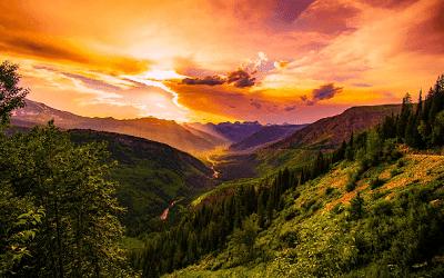 Puisi Senja Di Pelataran Kaki Gunung Leutik