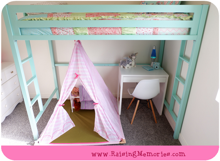 Turquoise Tween Room with IKEA Micke Desk