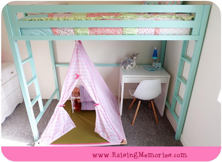 Turquoise Tween Room with IKEA Micke Desk