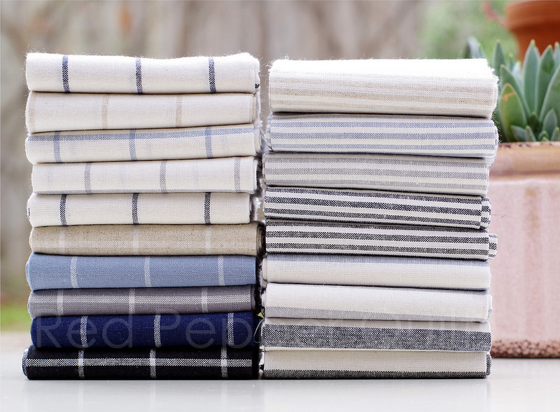 Essex Yarn Dyed Classic Wovens  by Robert Kaufman Fabrics | © Red Pepper Quilts 2018 #sundaystash #robertkaufman #essexyarndyedlinen