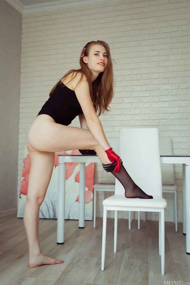 [Met-Art] Alaine - Gloves