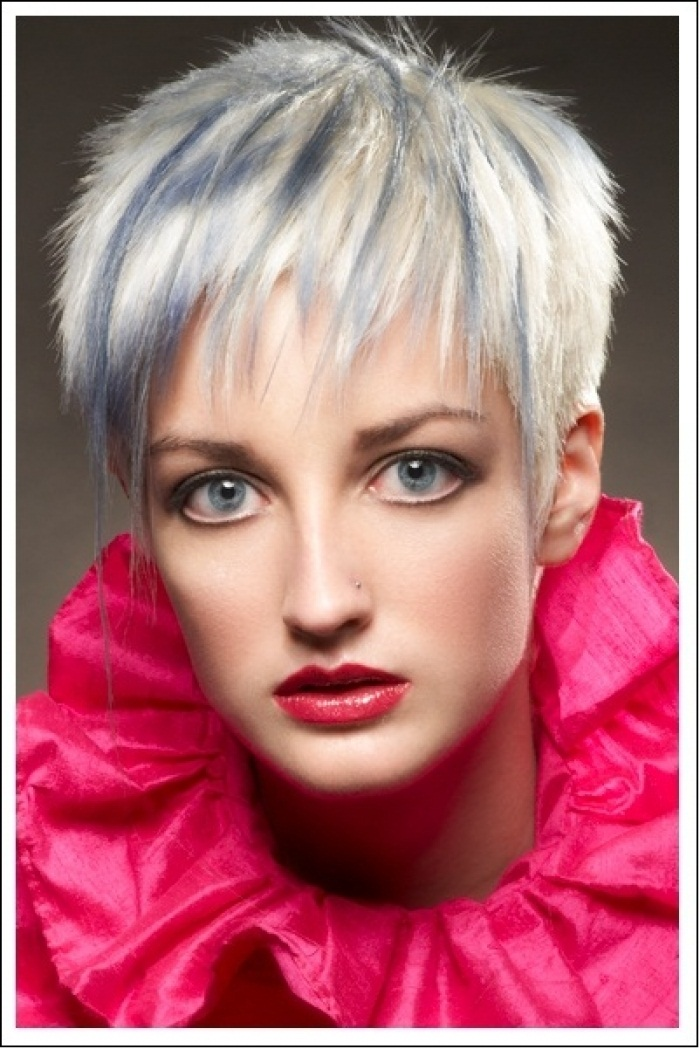 VERSATILITY OF MEDIUM LENGTH HAIRCUT: Short funky hairstyles