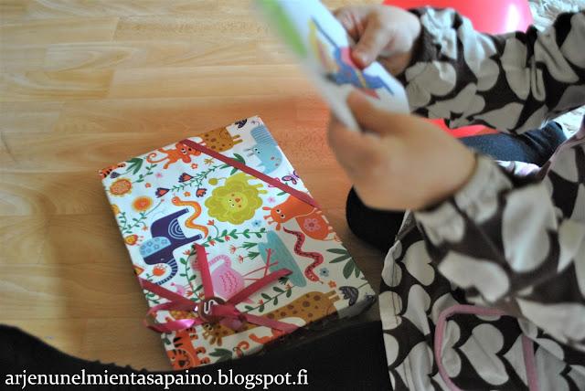 synttärit, lahja, synttärisankari, 4-vuotias, lahjatoive