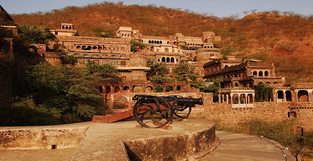 Fort made with mud Kuchesar