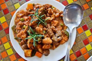 la cucina, lunch, pork menudo, Mountain Lake Restort, Caliraya Springs, Laguna