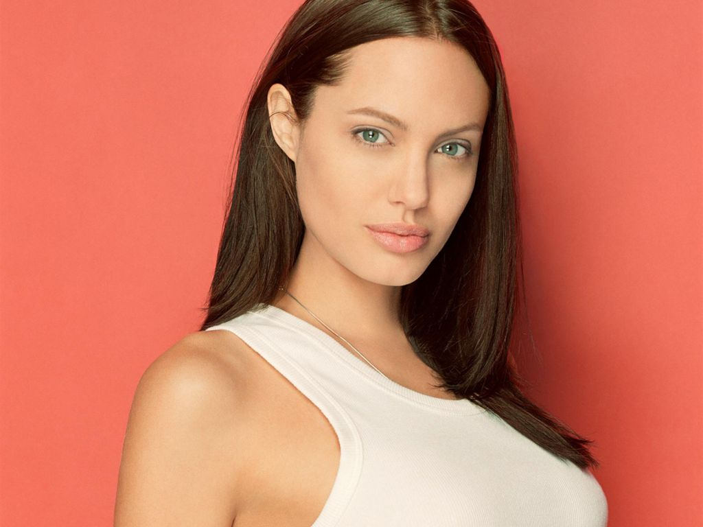 Angelina Jolie Hot Pictures, Photo Gallery  Wallpapers -9815