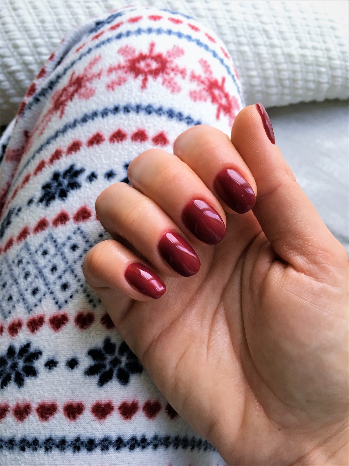 semilac deep red