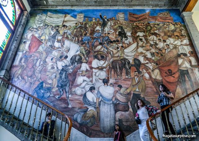 """Mural """"Alegoria da Revolução Mexicana"""" no Castelo de Chapultepec - Museu de História do México"""