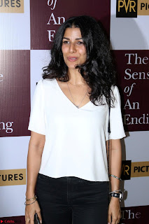 Nimrat Kaur and Naseeruddin Shah at Special Screening Of movie The Sense Of An Ending 04.JPG