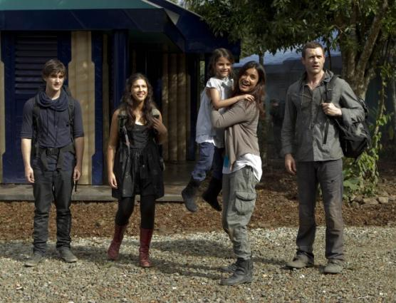 Terra Nova Season 1 Spoiler: Premiere Photos- TV Series Lounge