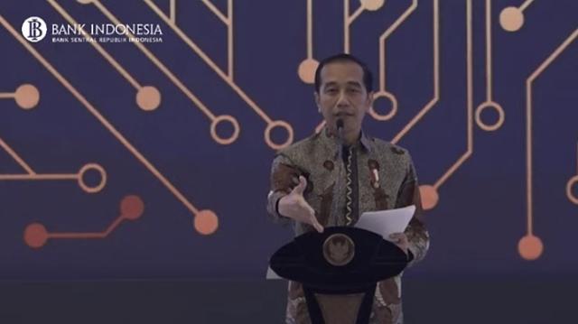 Radikal, Presiden Jokowi Bakal Gantikan Eselon III dengan Robot