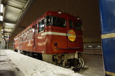 函館駅停車中のはまなす用ED79形
