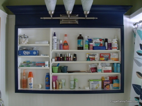 medicine cabinet makeover with paint