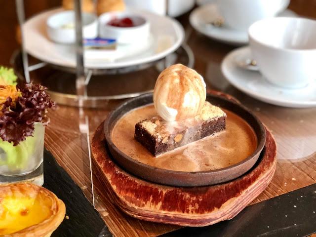 Sepetang Lepak Di Amari Johor Bahru Sambil Makan Sizzling Brownies