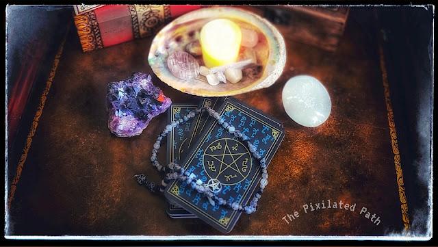 Foresight Friday tarot reading using the Supernatural Join the Hunt tarot deck.