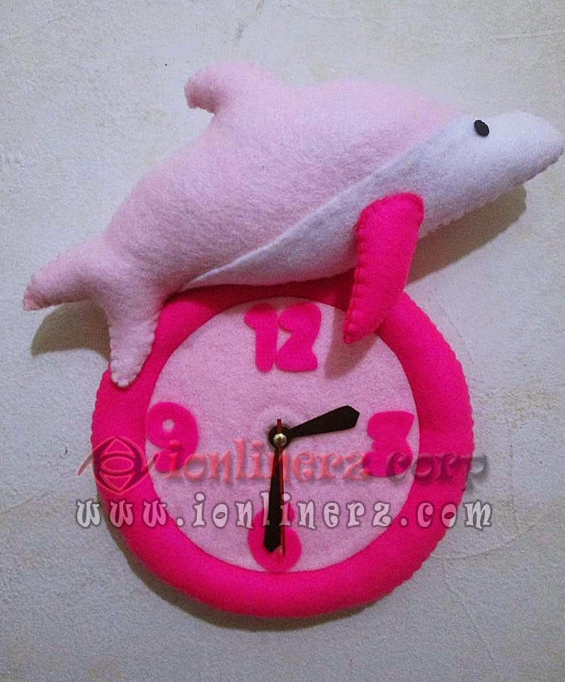Jam Dinding Flanel Karakter Kartun Boneka Dolphin / Lumba - Lumba