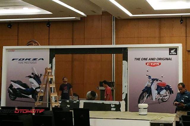 Panggung Peluncuran Forza 250 dan Super Cub 125 Indonesia
