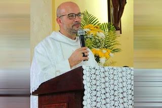 Padre Gilmar fingiu o próprio sequestro ao ser vítima de extorsão por problema pessoal vivido antes de chegar à Paraíba, diz delegado