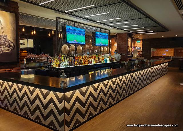 La Fabrique bar in Pullman Hotel Dubai