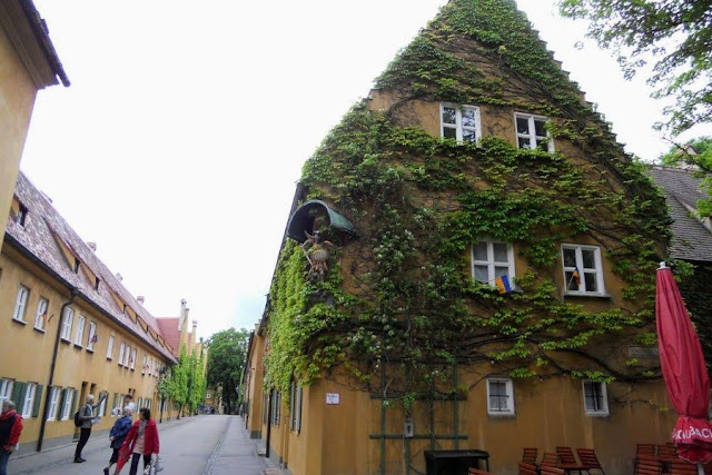 Munich to Augsburg Day Trip: Fuggerei housing project