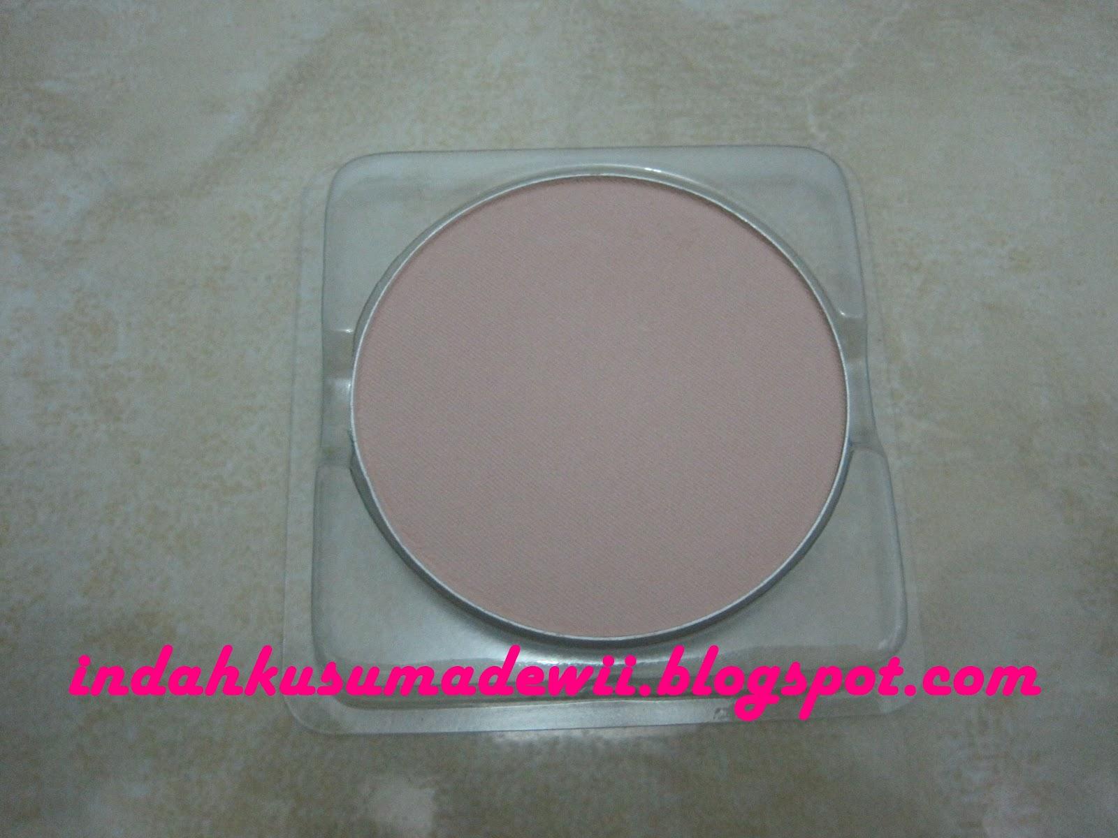 Indah Kusuma Dewi: Wardah Compact Powder Refill