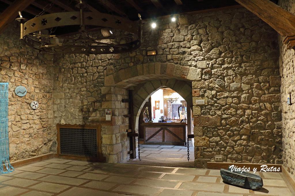 Interior del Castillo de Argüeso