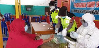 Urkes Polres Pelabuhan Lakukan Rapid Test Untuk Masyarakat Pulau Kodingareng