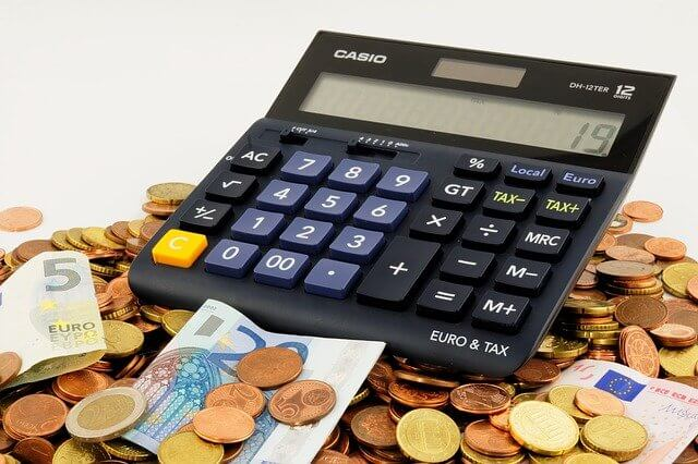 membuat kalkulator dengan HTML, CSS, JavaScript