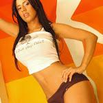 Andrea Rincon – Selena Spice – Sexy Top Blanco y Tanga Negra Foto 97