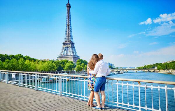 Paris. Pháp
