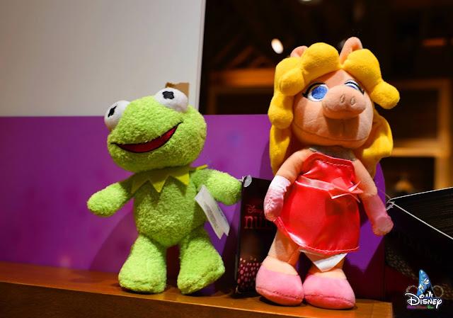 青蛙卻迪與豬小姐迪士尼毛公仔 登陸香港迪士尼, HKDL-Kermit-the-Frog-and-Miss-Piggy-Disney-nuiMOs-Plush