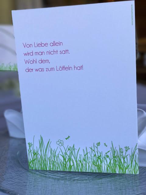 Menükarten, Kartenmacherei, Maigrün, Pink, Frühlingshochzeit in den Bergen am See, Hochzeitshotel Riessersee Hotel Garmisch-Partenkirchen, heiraten in Bayern, Hochzeitsplanerin Uschi Glas