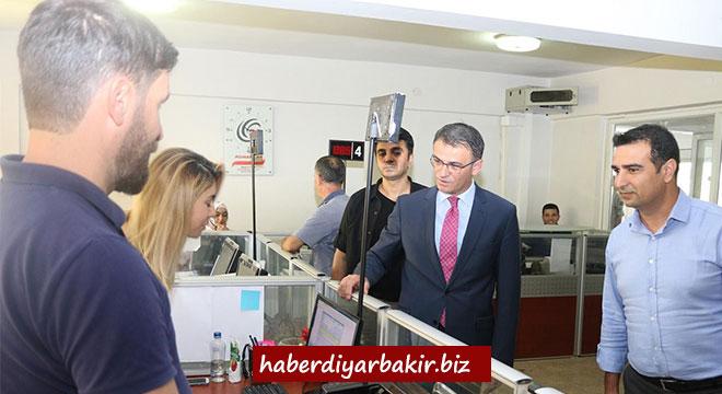 Diyarbakır Kayapınar Kaymakamlığına atanan Ozan Balcı görevine başladı