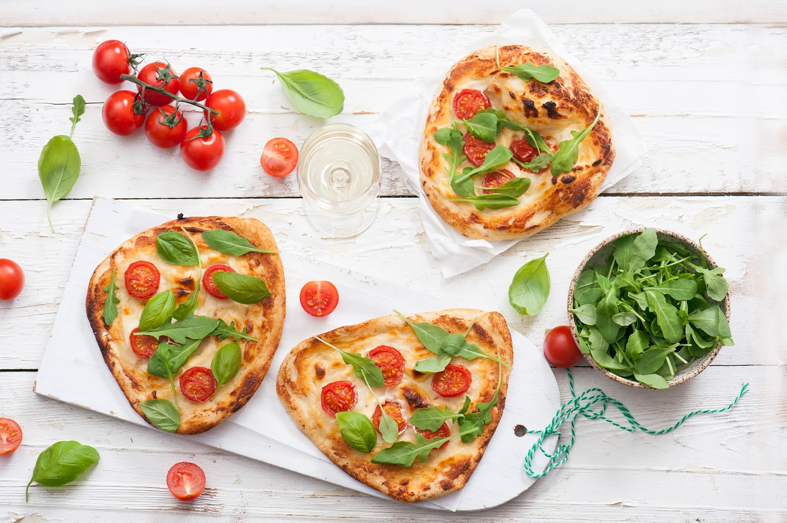 mini pizze z serkiem topionym
