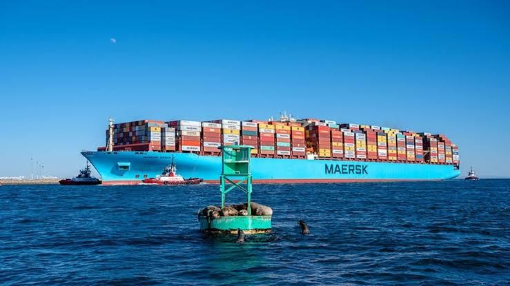El Maersk Essen, afectado por la tormenta, cambia de ruta hacia México