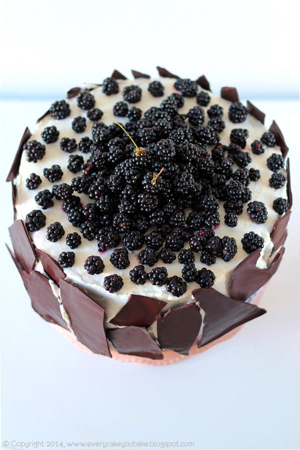 tort jeżynowy z kremem jeżynowym i czekoladą